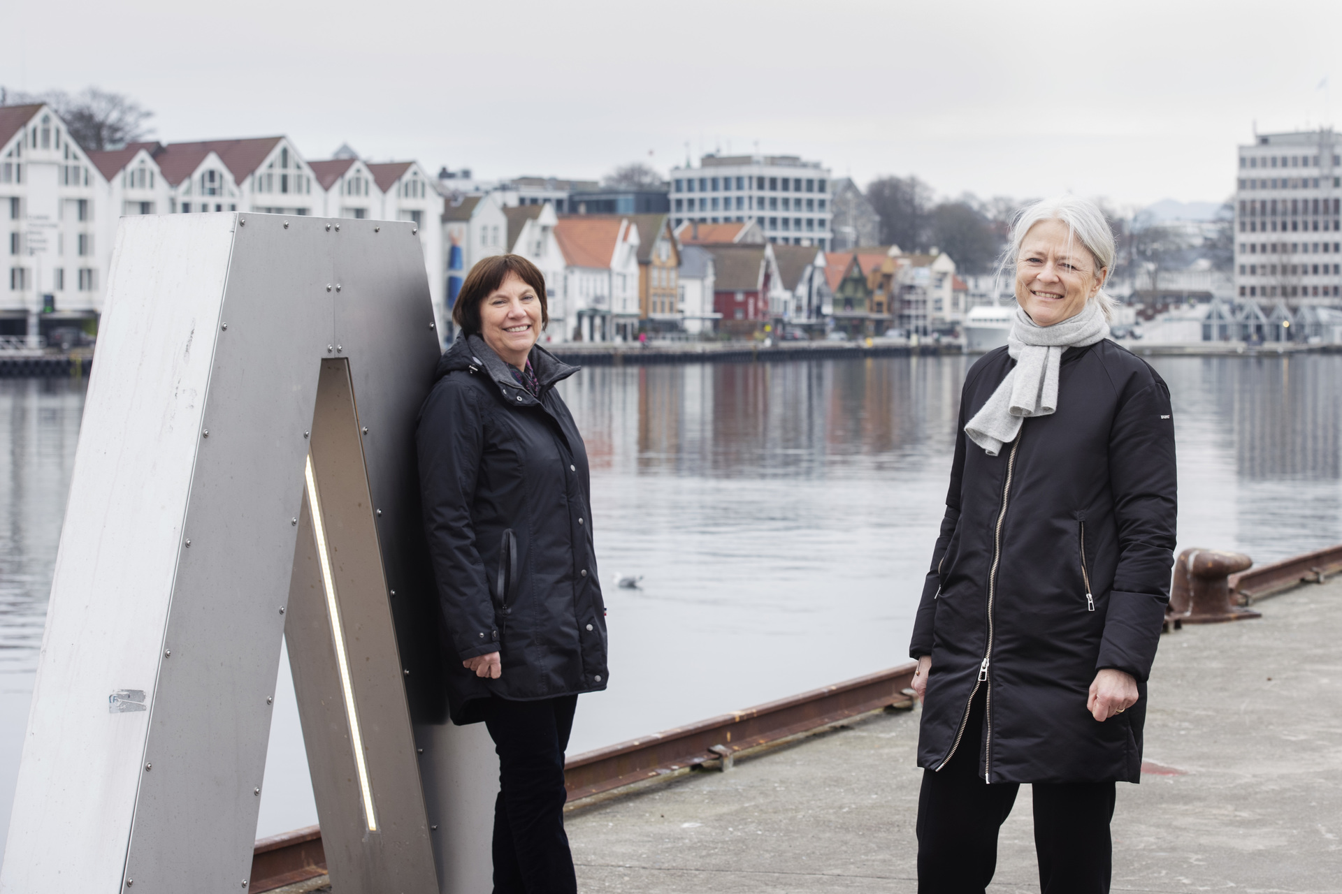 Konserndirektør Grethe Høiland i Lyse og havnedirektør Merete Eik. Foto: Marie von Krogh / Lyse
